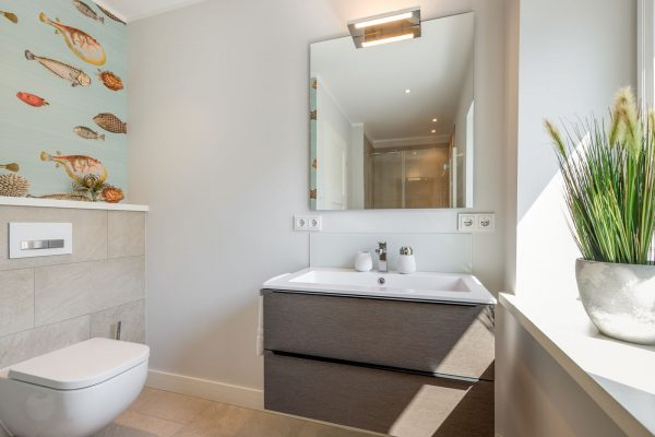 Sylter Penthouse Wohnung modernes Duschbad